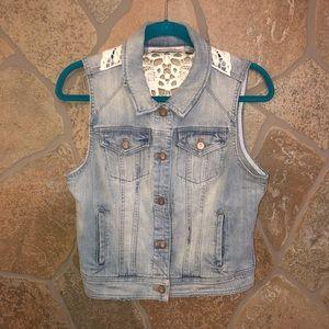 Pilcro and the Letterpress boho jean vest. Size M